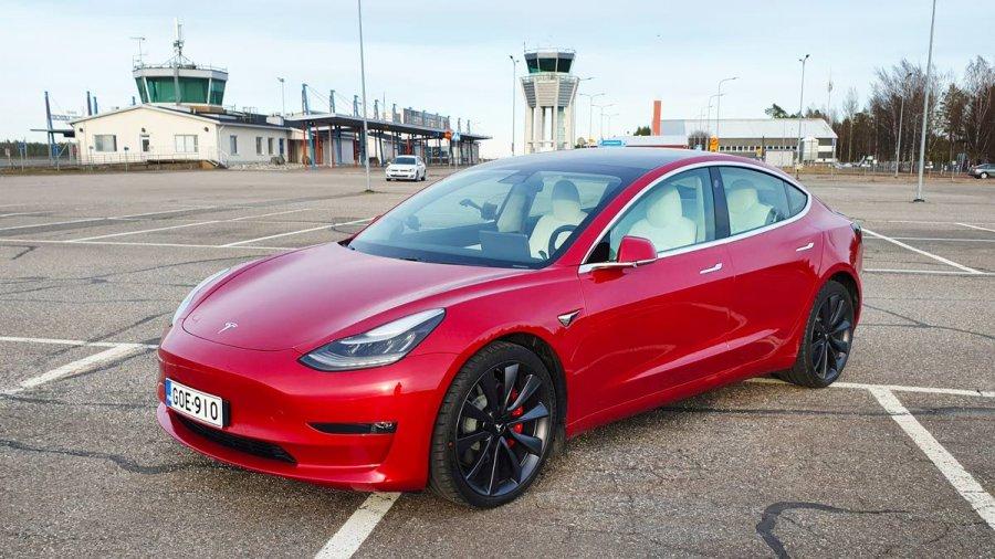 Tesla Hinnat